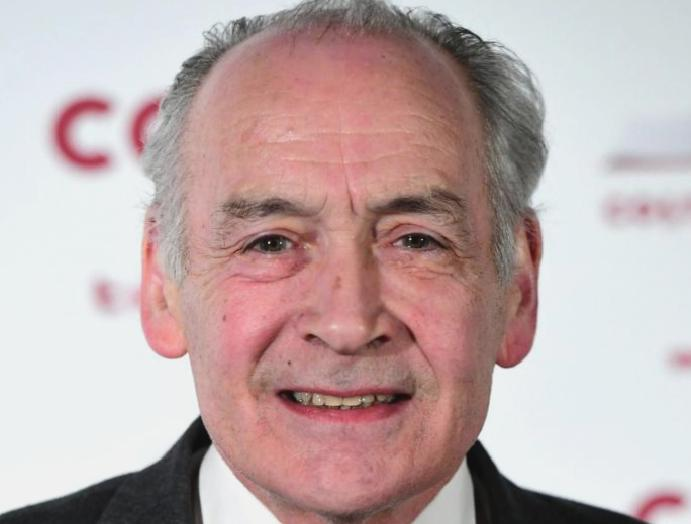 Alastair Stewart: ITV newsreader steps 'errors judgment'