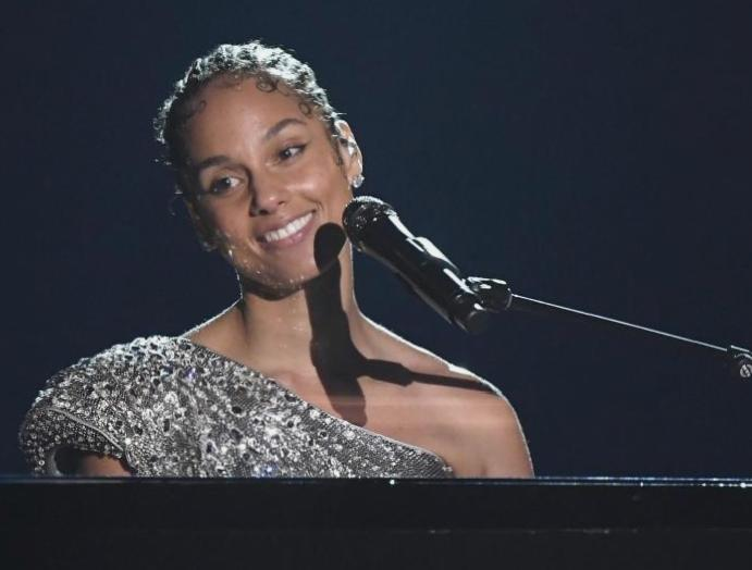 Alicia Keys says was 'manipulated' taking 'provocative' photoshoot 19