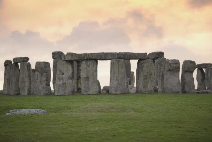 Archaeologists 'astonishing' circular neolithic Stonehenge