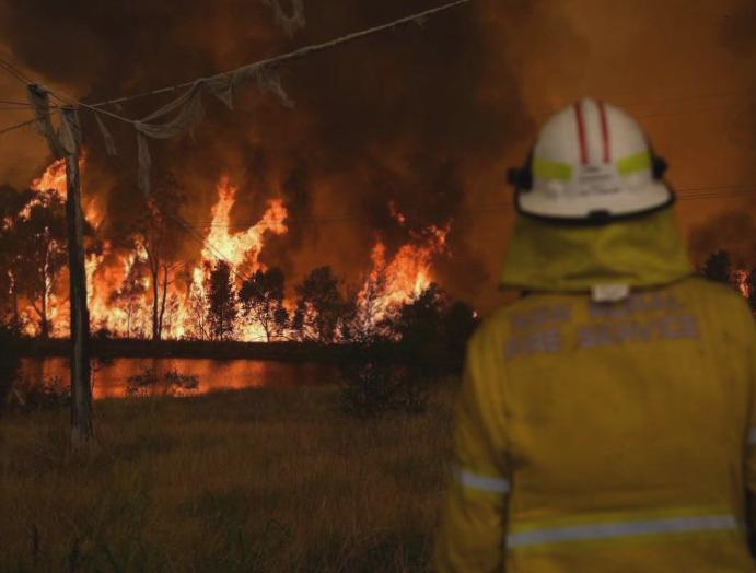 Australia wildfires: Cooler helps firefighters PM returns
