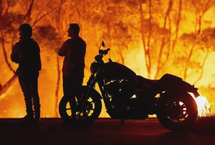 Australia wildfires: Disaster escalates 'entirely level' firefighter vents PM