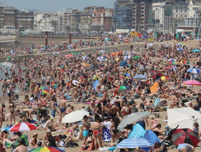 Beaches parks packed – litter – thousands defy lockdown hottest