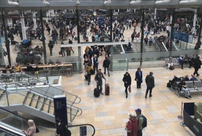 Christmas travel: Widespread disruption railways dozens cancellations festive