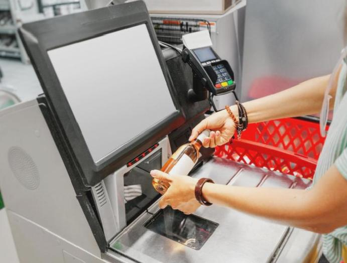 Coronavirus: How touchscreens self-checkouts