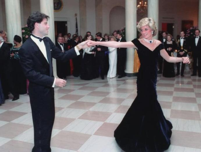 Dress Princess Diana wore John Travolta is going Kensington Palace