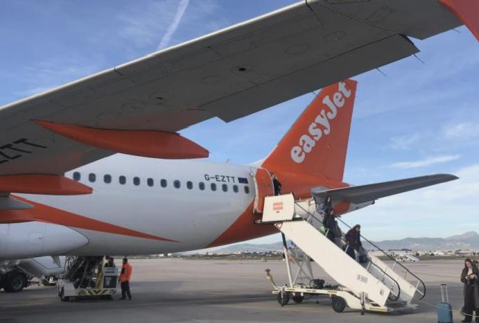 EasyJet hack: Passenger sold cyber attack, experts
