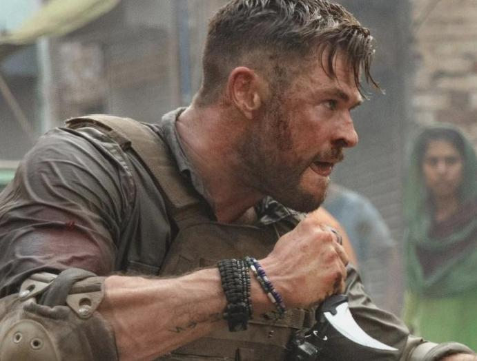 Extraction: Chris Hemsworth reacts nears Netflix