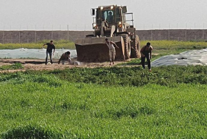 Gaza: Israeli filmed dragging corpse suspected militant bulldozer, cross-border surges