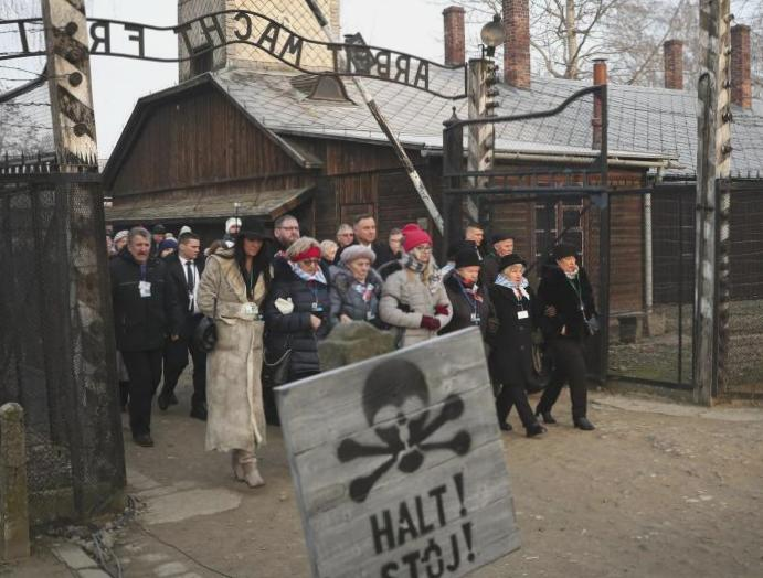 Holocaust Memorial Day: World leaders survivors 75th Auschwitz liberation calls antisemitism