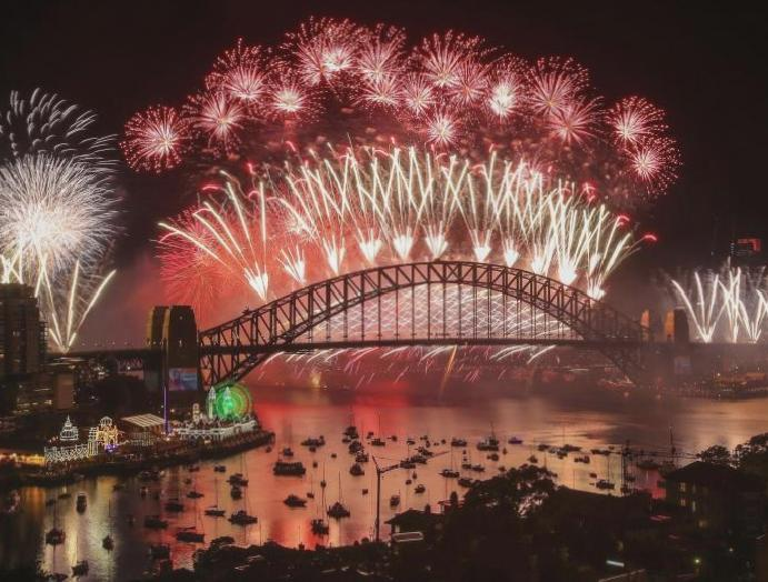 Hundreds thousands Sydney scrap 'insulting' fireworks wildfires