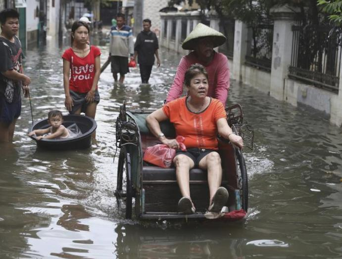 Indonesia floods: At 50 killed landslides Jakarta