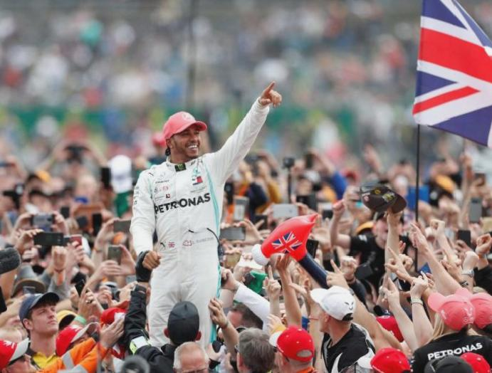 Lewis Hamilton omitted New Year's Honours winning F1