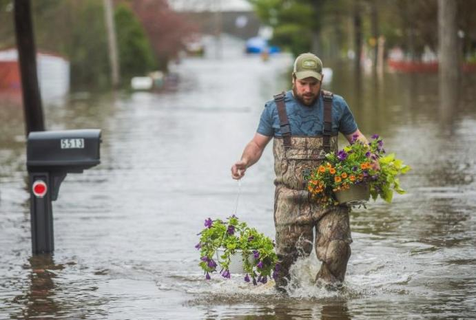Michigan floods 10,000 homes dams breached