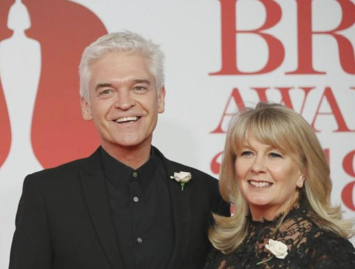 Phillip Schofield praises Stephanie Lowe gay: 'She has while'