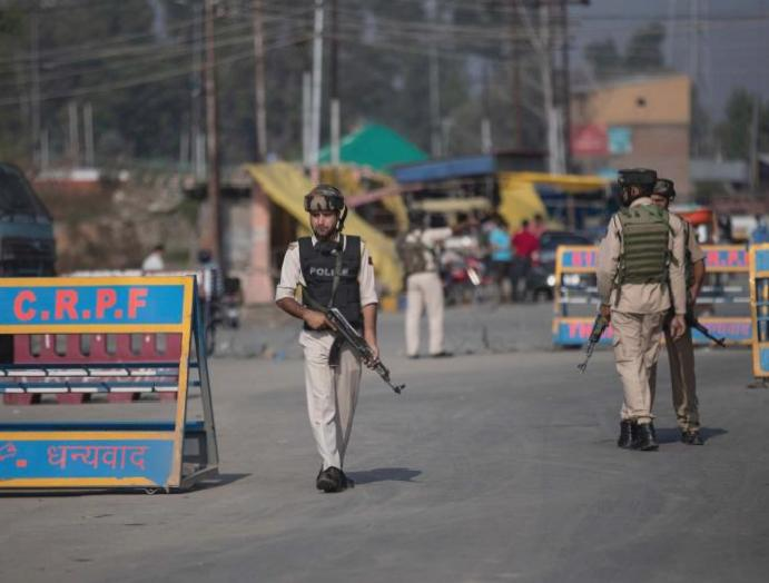 Police disperse Muslim procession Kashmir pellets gas, injuring scores