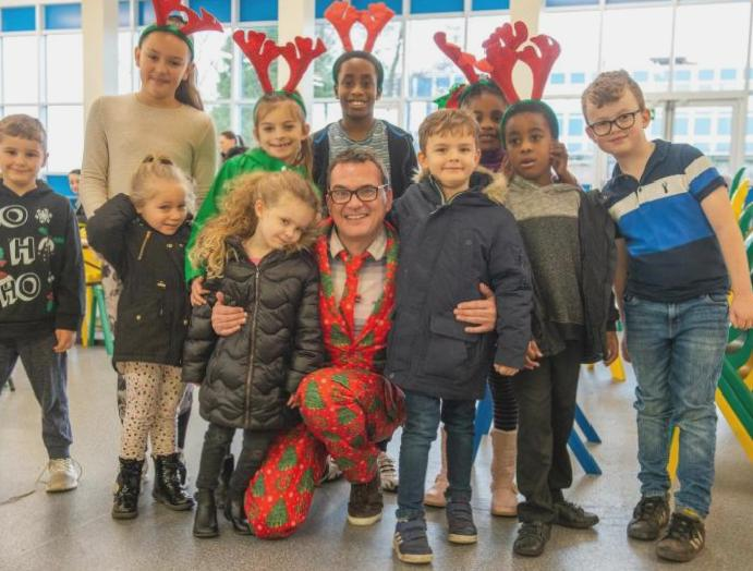 Primary serves 800 Christmas dinners underprivileged pupils families